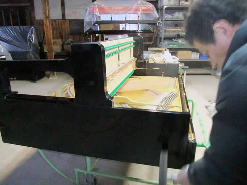 岡本ピアノ工房ピアノクリーニング 外装磨き2