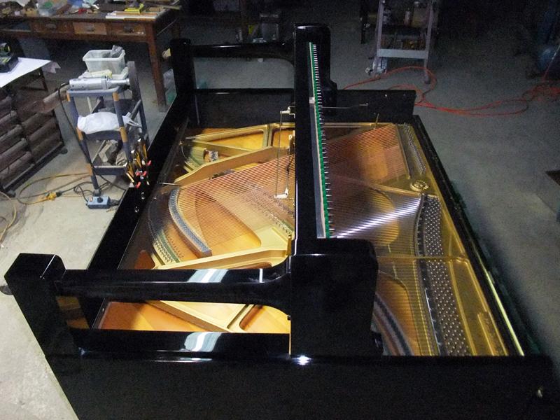 岡本ピアノ工房ピアノクリーニング 外装磨き3