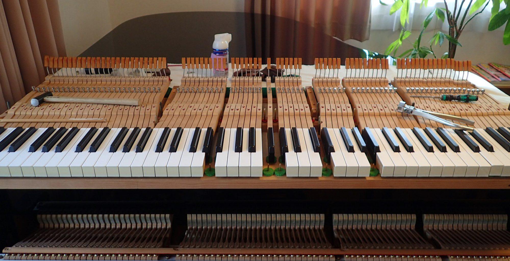 ピアノ調律 整調 整音 修理 ㈲岡本ピアノ工房
